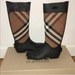 NEVER WORN Burberry Clemence Rain Boot Sz 7